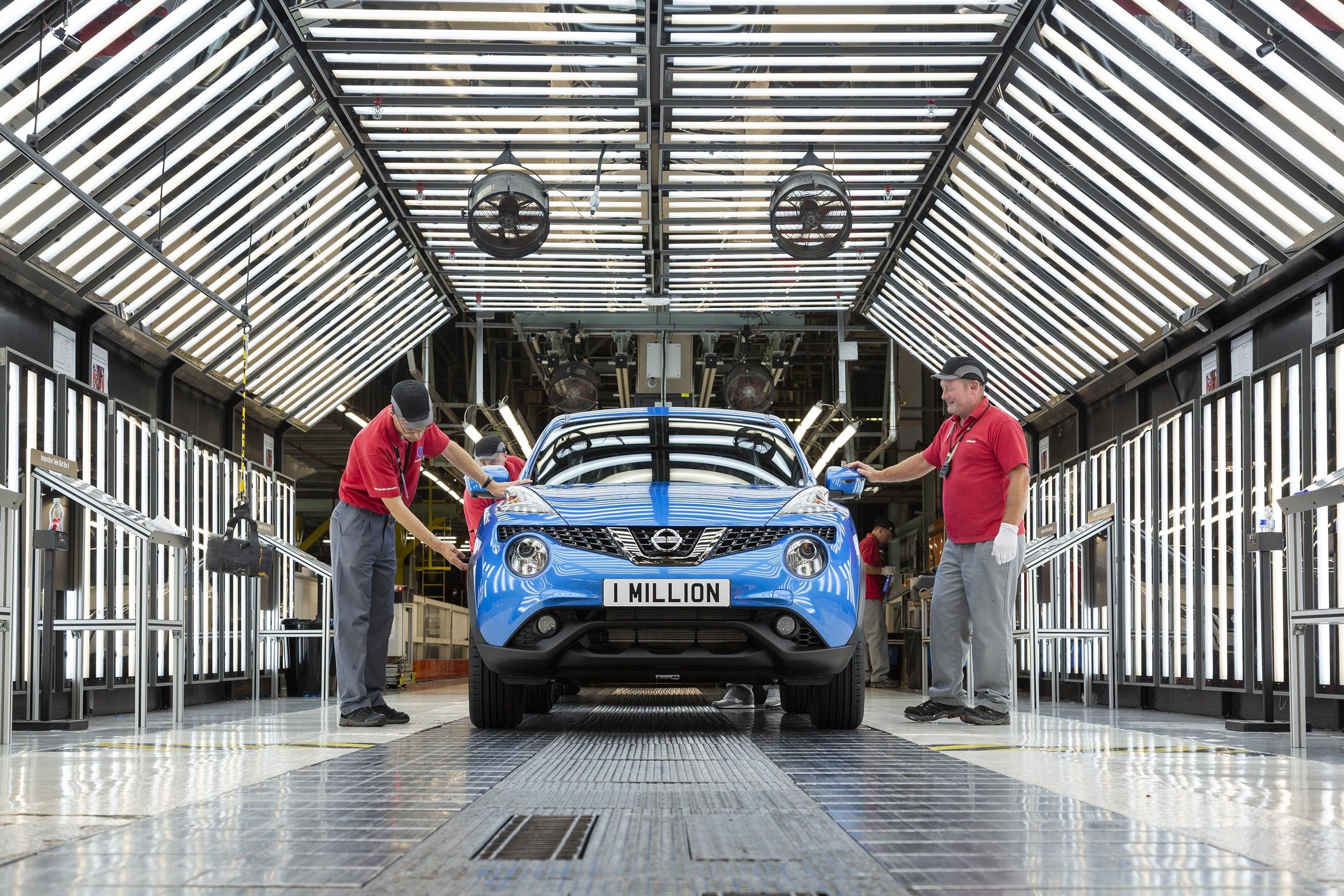 """""""Nissan"""" Sanderlando gamykloje surinktas milijoninis """"Juke"""" modelis"""