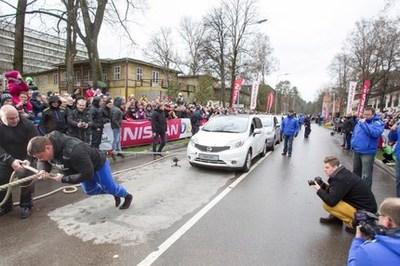 Žydrūnas Savickas ir Nissan NOTE – naujo Guinnesso rekordo autoriai